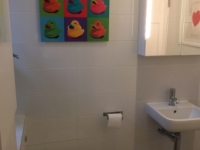 bathroom 2 (pic A)